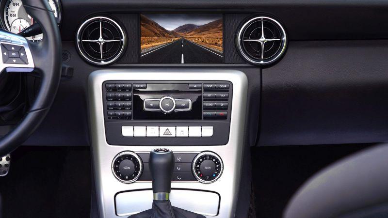 Migliori autoradio con schermo a scomparsa del [year], prezzi
